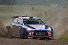WRC Neuville, frustrado porque sus rivales no evitaron el podio de Ogier
