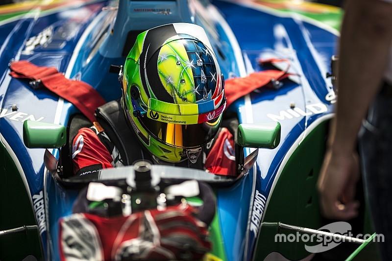 """Mick Schumacher, babasının """"ev yarışı"""" olarak gördüğü Spa'da kazandığı için gururlu"""