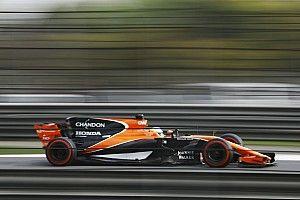"""【F1】アロンソ「中国GPは開幕戦より""""信じられない""""レースだった」"""