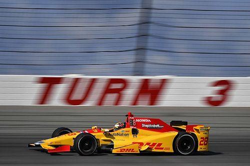 Pocono IndyCar: Hunter-Reayleads opening practice, Carpenter crashes