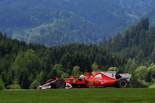 Vettel dá troco na Mercedes e lidera TL3 na Áustria