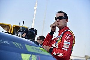 Pit road vexes playoff teams in Chicago, derailing Kyle Busch's race