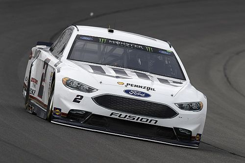 Keselowski leads final practice; Johnson and Kahne find the wall