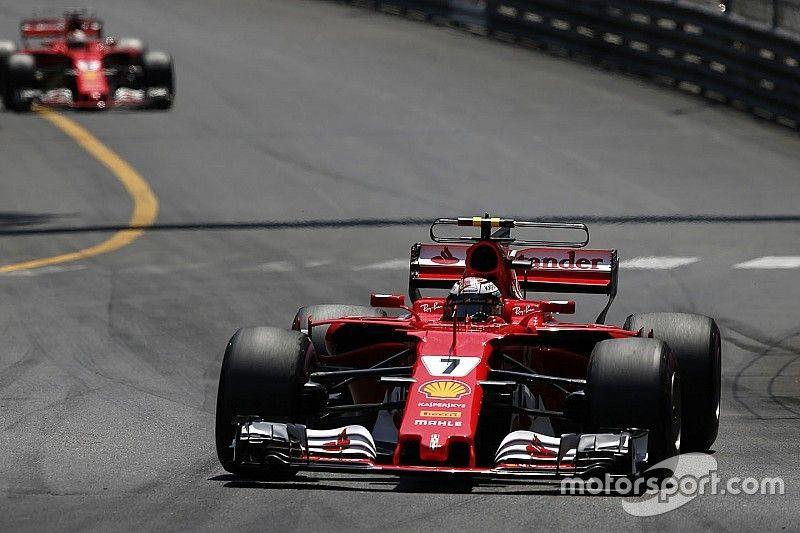 Hamilton cree que Ferrari favoreció a Vettel