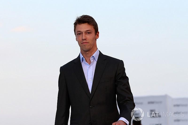 RESMI: Kvyat jadi pembalap cadangan Ferrari