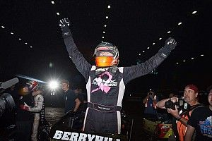 Chili Bowl Nationals: Berryhill takes upset victory in Wednesday night qualifier