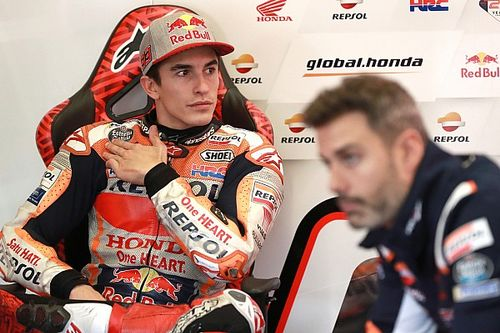 Marquez na stole chirurgicznym
