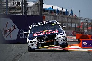 Gold Coast 600: Van Gisbergen, Stanaway rub panels early