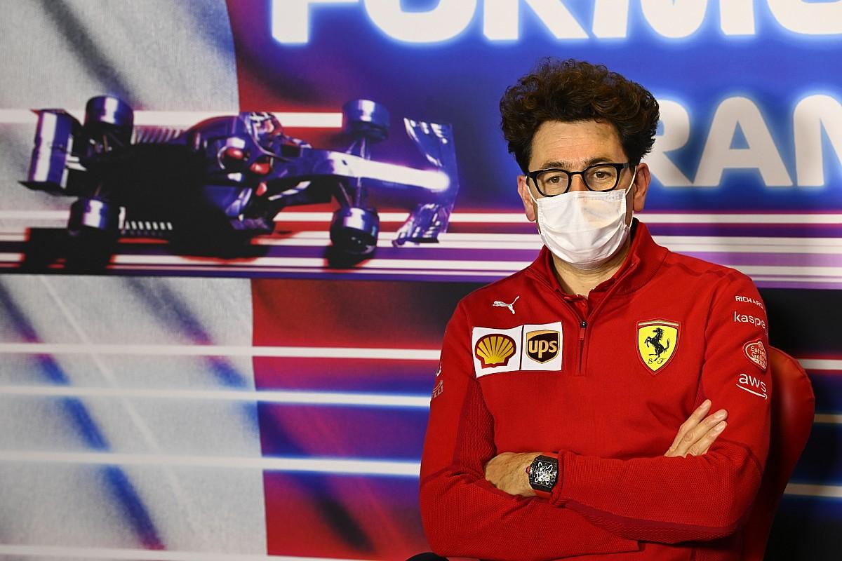 F1: Binotto admite dificuldades em promover pilotos de academia da Ferrari