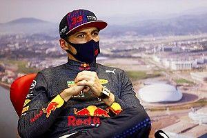 """Alonso juge que Verstappen a """"la bonne approche"""" face à la pression"""