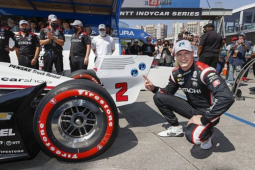 Newgarden houdt hoop op IndyCar-titel levend met pole in Long Beach