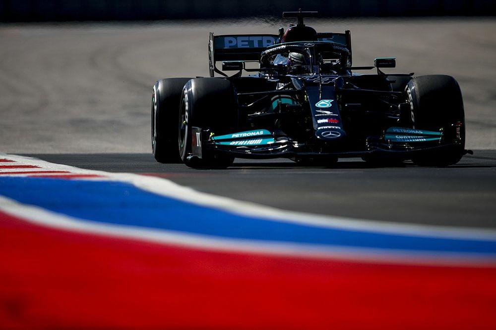"""Hamilton doit """"capitaliser"""" sur la pénalité de Verstappen"""