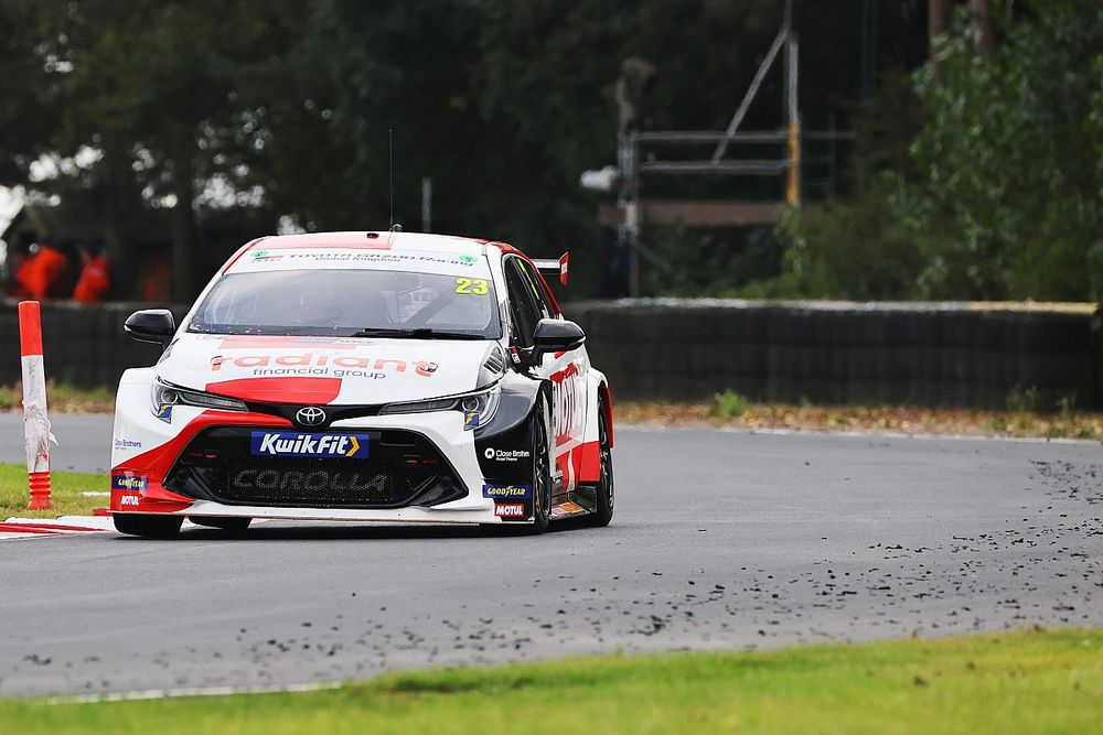 BTCC teams fined for Croft tyre mix-up