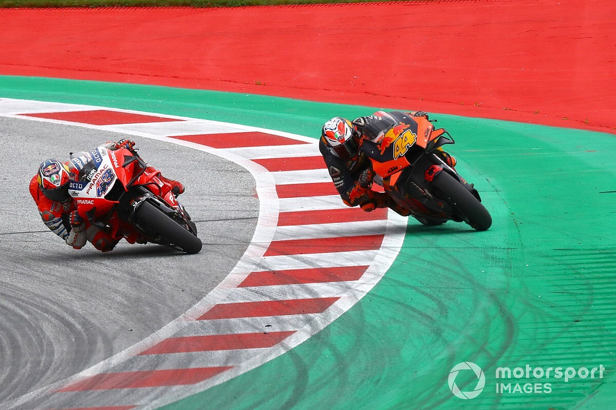 """Mir """"angry"""" after Espargaro escapes track limits penalty"""