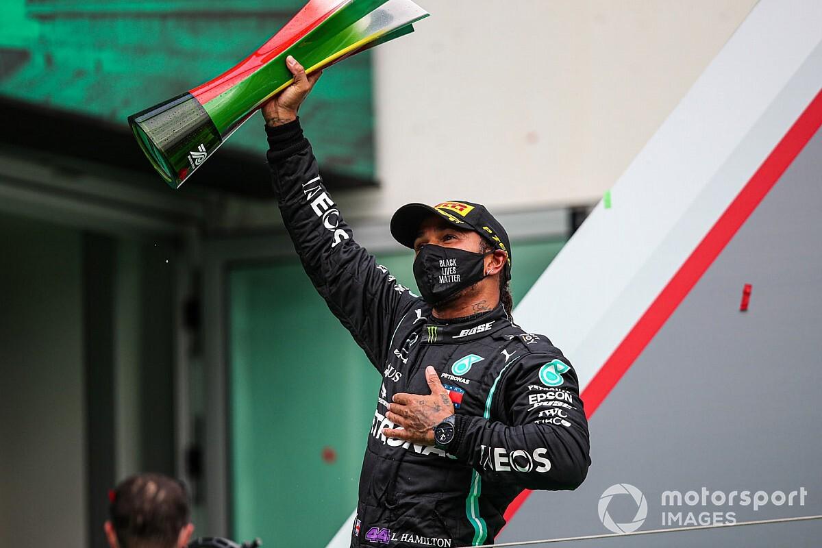 Herbert: Hamilton megérdemli a lovagi címet