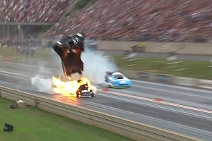 Взрыв в дрэг-рейсинге и пожар Кена Блока. Лучшие гоночные видео уик-энда