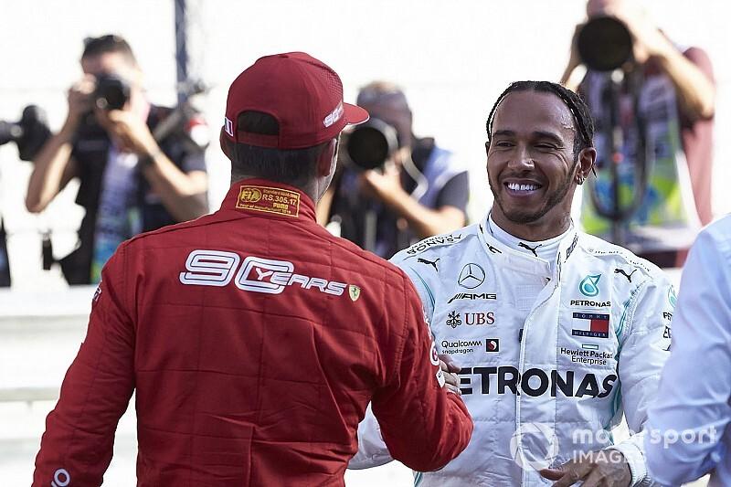 Leclerc Vs. Hamilton Q3-as köre Szocsiból: ennyivel jobb a Ferrari (videó)