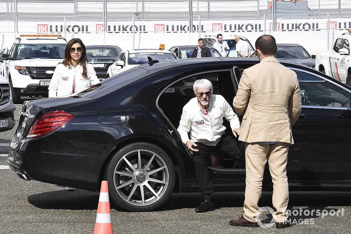 «Договоритесь с Ferrari и Red Bull, остальные могут валить». Экклстоун дал совет боссам Ф1