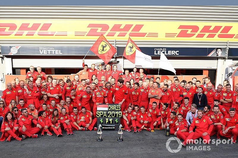 """Leclerc: """"Vettel olmadan kazanamazdım"""""""