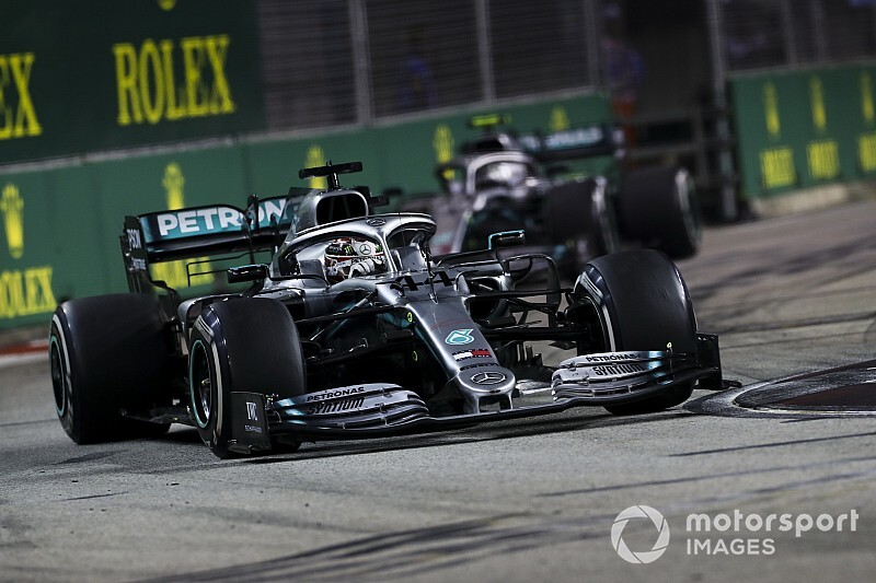 "Hamilton: Singapore ""almost worse than Monaco"" to overtake"
