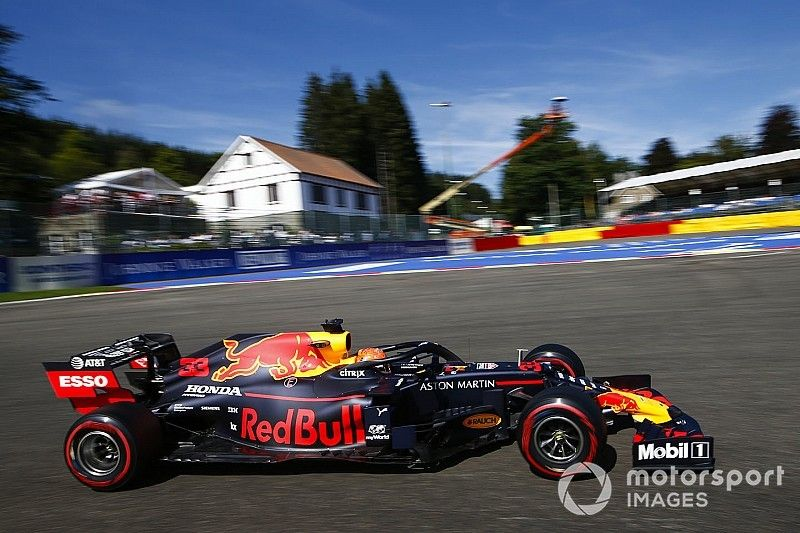 Verstappen no ve a Red Bull en lucha con Ferrari