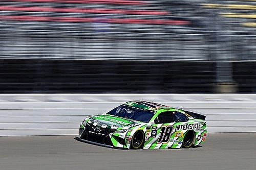 Kyle Busch wins Stage 2 at Michigan in one-lap dash