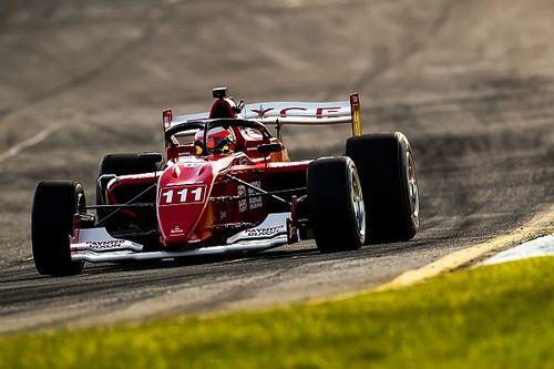 'Tirando o pé', Barrichello termina primeiro dia de treinos em 2º na Austrália