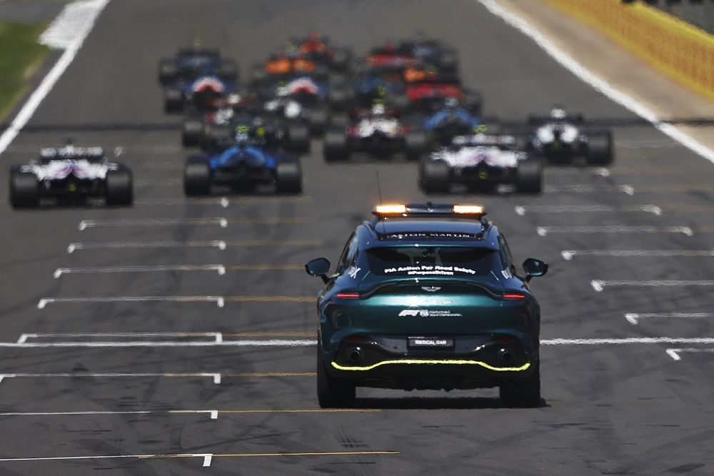 Официально: сезон Формулы 1 сократили до 22 гонок