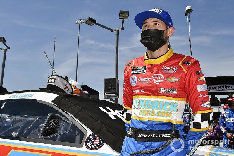 Larson waited for 'a mistake' from Truex but it never came