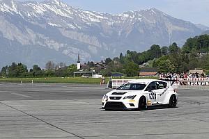 Saisonauftakt der Schweizer Slalom-Meisterschaft in Interlaken