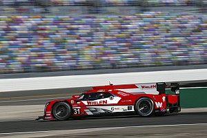 Cadillac lidera en Daytona tras superarse las 12 primeras horas