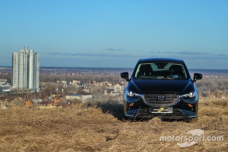 Галерея: оновлений та яскравий кросовер Mazda CX-3