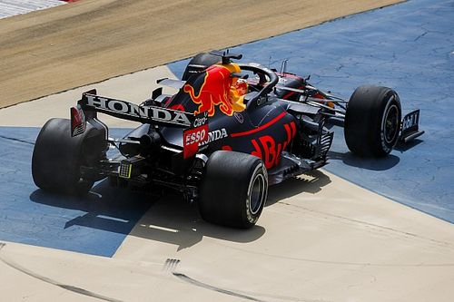 Verstappen Anggap Red Bull Belum Setara Mercedes