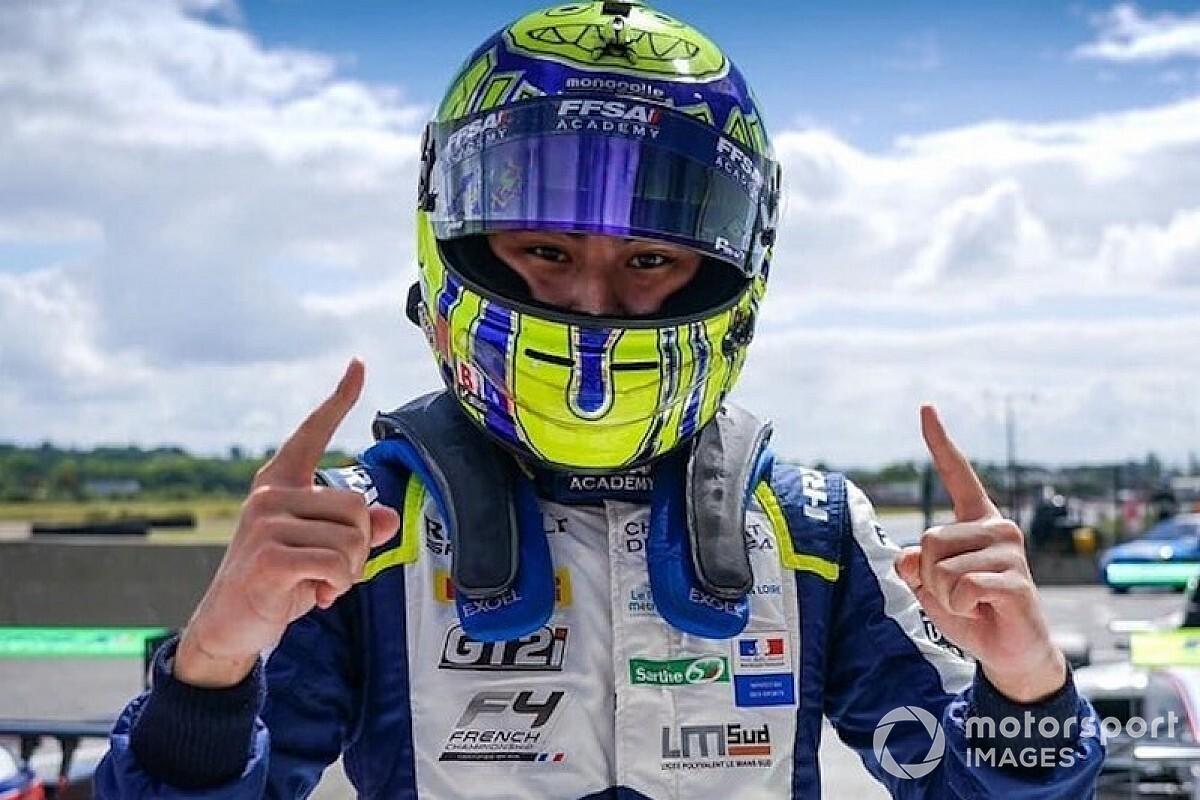 Újabb japán pilóta került be a Red Bull juniorprogramjába