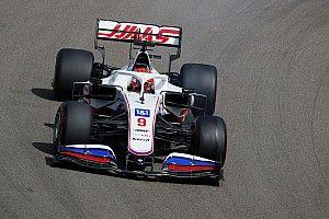"""Steiner: """"Mazepin moet leren dat de Haas geen Mercedes is"""""""
