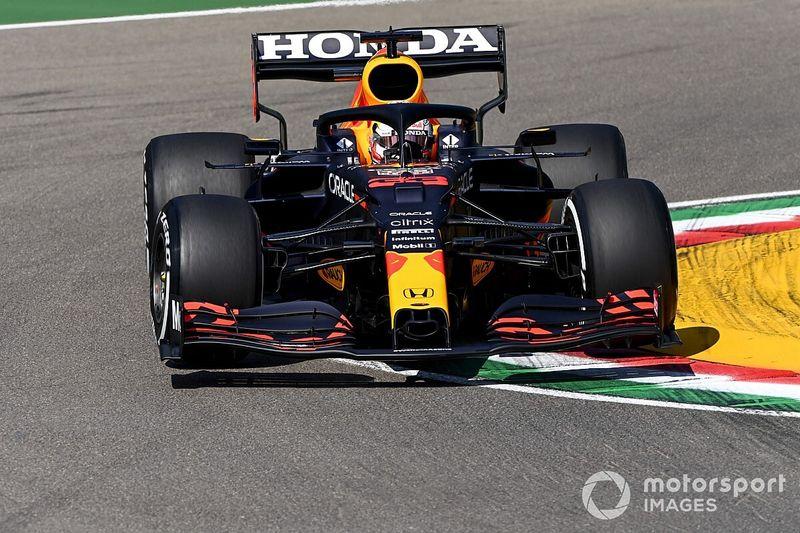 Ферстаппен сравнил Red Bull с газонокосилкой
