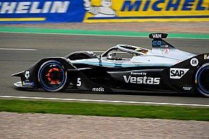 Valencia E-Prix: Vandoorne perde la pole per irregolarità
