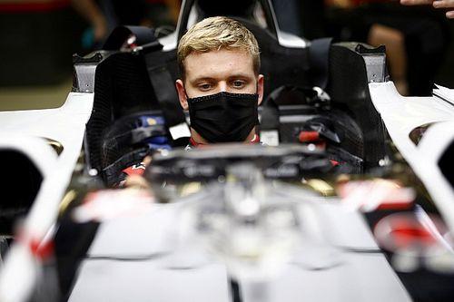 Vettel Siap Bantu Mick Schumacher Tahun Depan