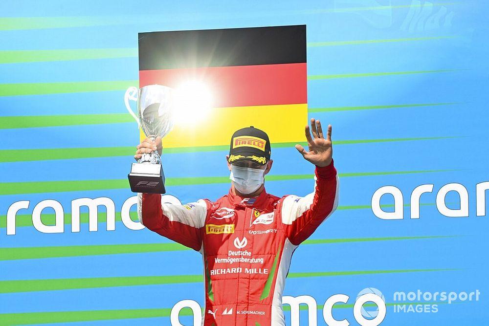 """Ferrari, Mick Schumacher'i """"daha küçük bir takımla"""" F1'de yarıştırmayı planlıyor!"""