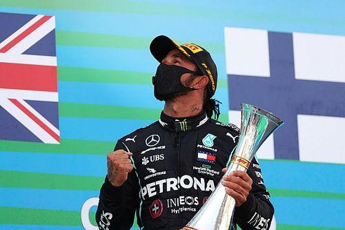 """Hamilton """"honoré"""" d'avoir battu le record de podiums de Schumacher"""