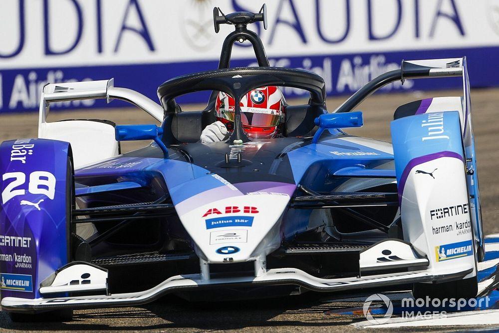 Пилот BMW отобрал у Верня победу в гонке Формулы Е и отыграл 7 позиций в общем зачете
