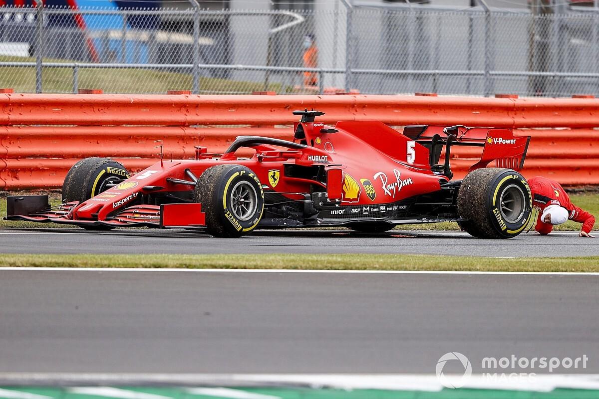 """Vettel, a """"szerelő"""": alánézett az elromlott Ferrarinak Silverstone-ban (videó)"""