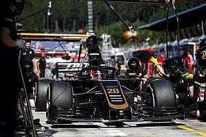Haas поменяла коробку передач на болиде Магнуссена. Пилот потеряет 5 позиций на стартовой решетке