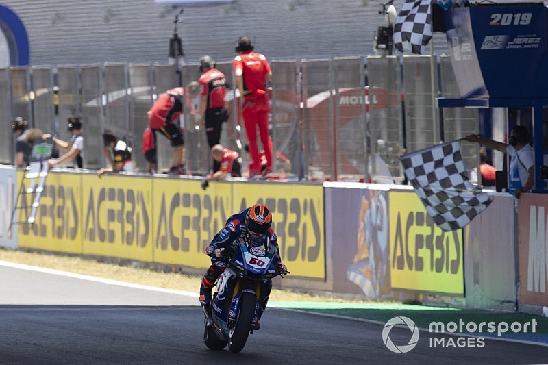 Jerez WSBK: Van der Mark wins red-flagged race, Bautista crashes