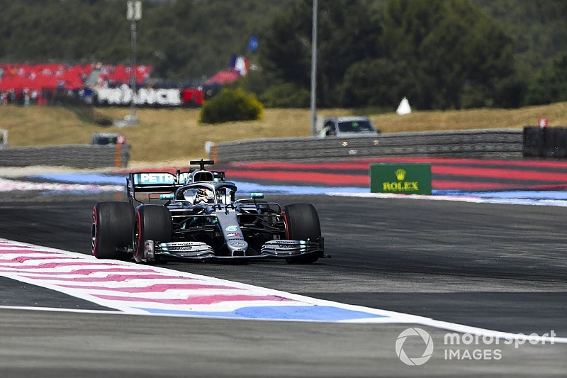 Comissários não punem Hamilton após incidente com Verstappen no TL2