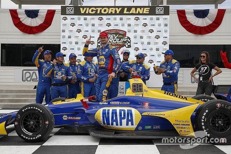 Rossi domina en IndyCar