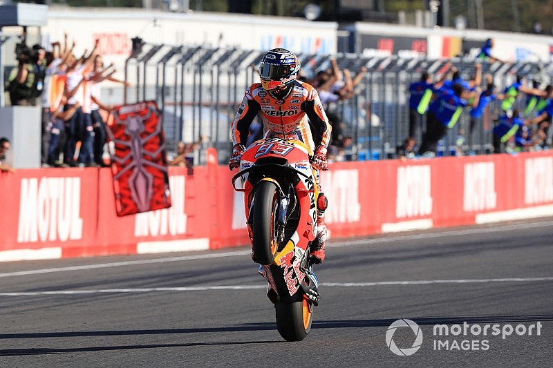 Márquez brilha no Japão e conquista pentacampeonato da MotoGP