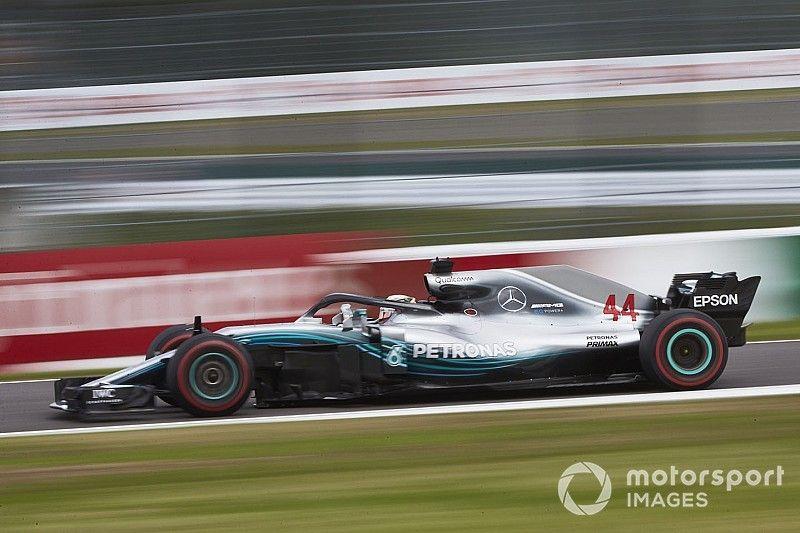 F1, Hamilton stravince a Suzuka, mentre Vettel si suicida con Verstappen
