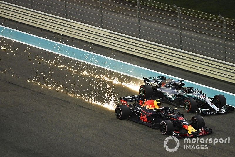 """Verstappen: """"Vettel, Alonso, Ricciardo o yo seríamos campeones fácilmente con el Mercedes"""""""