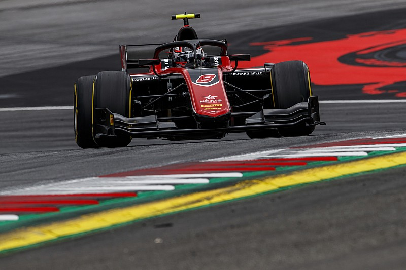 F2 Red Bull Ring: Russell domineert, De Vries valt uit